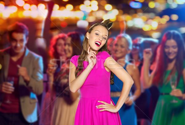 Szczęśliwy młoda kobieta teen girl różowy sukienka ludzi Zdjęcia stock © dolgachov