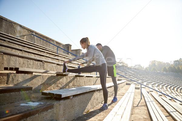 Pareja pierna estadio fitness deporte Foto stock © dolgachov