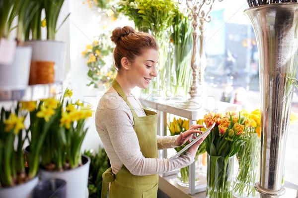 Nő táblagép számítógép virágüzlet emberek üzlet Stock fotó © dolgachov