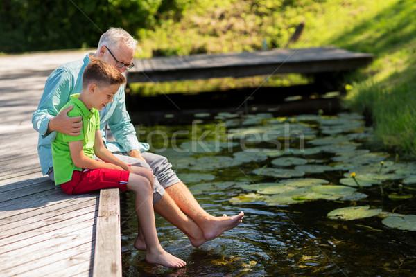 Photo stock: Grand-père · petit-fils · séance · rivière · famille · génération