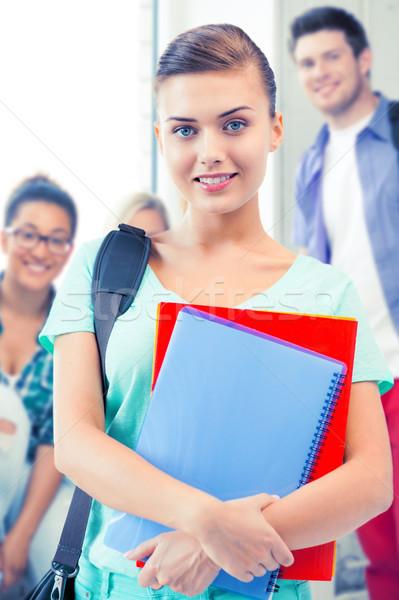 Stok fotoğraf: öğrenci · kız · okul · çanta · mutlu