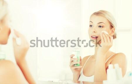 Piękna topless kobieta zdrowia piękna dziewczyna Zdjęcia stock © dolgachov