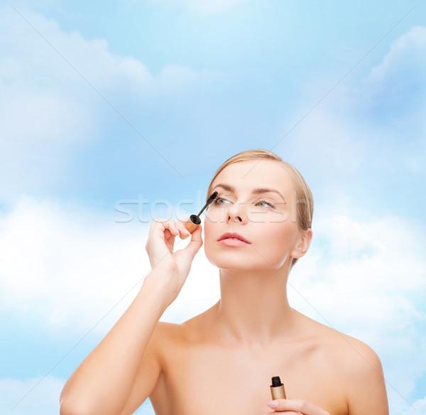 Piękna kobieta tusz do rzęs kosmetyki zdrowia piękna niebieski Zdjęcia stock © dolgachov