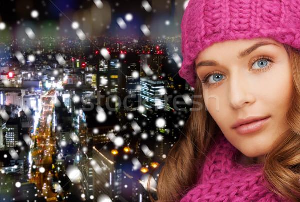 笑みを浮かべて 若い女性 冬 服 幸福 ストックフォト © dolgachov