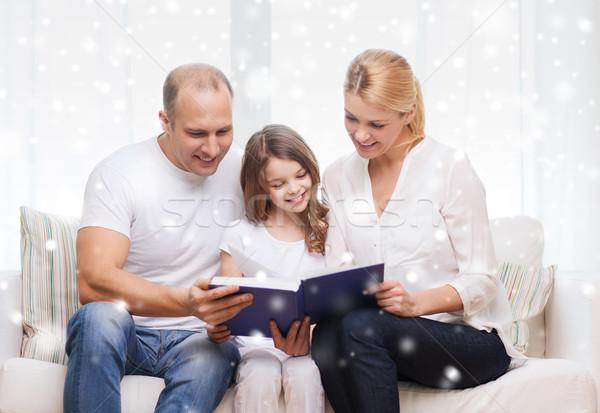 Boldog család könyv otthon család szabadidő oktatás Stock fotó © dolgachov
