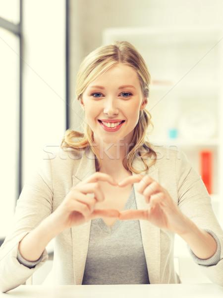 Foto stock: Mulher · jovem · coração · assinar · brilhante · quadro