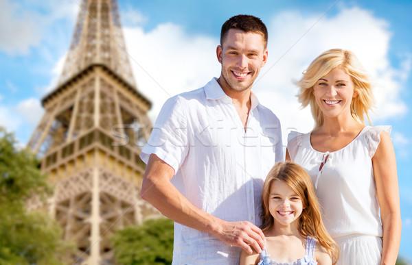 Boldog család Párizs Eiffel-torony nyár ünnepek utazás Stock fotó © dolgachov