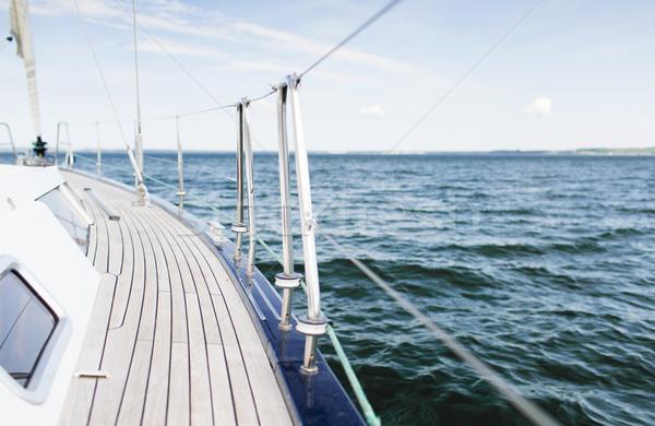 Segelboot Segeln Yacht Deck Meer Stock foto © dolgachov