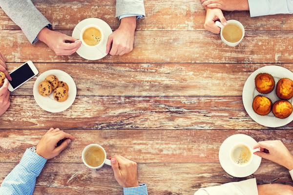 Stok fotoğraf: Iş · ekibi · içme · kahve · öğle · yemeği · iş · adamları