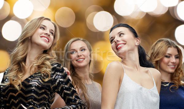 Feliz las mujeres jóvenes baile club nocturno disco fiesta Foto stock © dolgachov