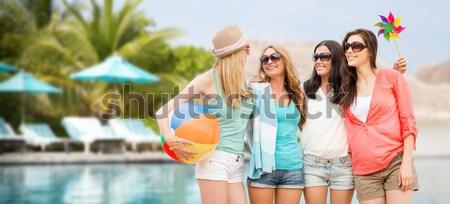 Feliz mulheres alimentação sorvete bali praia Foto stock © dolgachov