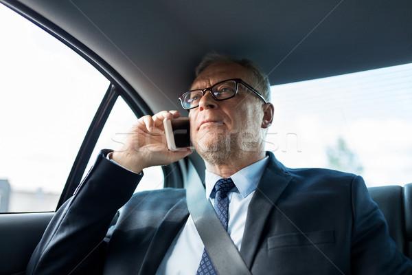 シニア ビジネスマン 呼び出し スマートフォン 車 輸送 ストックフォト © dolgachov