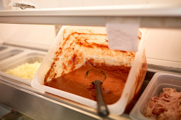 Contenedor salsa de tomate restaurante cocina cocina almacenamiento Foto stock © dolgachov