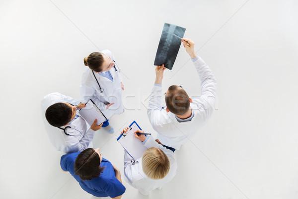 Artsen wervelkolom Xray geneeskunde gezondheidszorg chirurgie Stockfoto © dolgachov