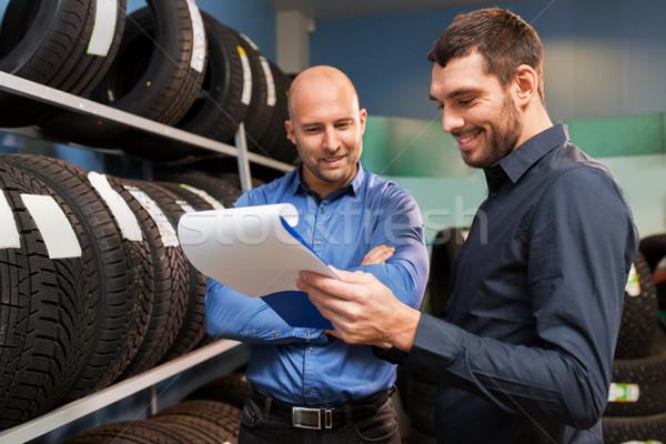 Müşteri satıcı araba hizmet oto depolamak Stok fotoğraf © dolgachov