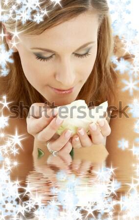 Manhã sorrir flocos de neve brilhante retrato mulher loira Foto stock © dolgachov