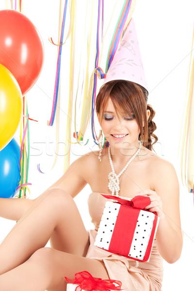 Fête fille ballons coffret cadeau heureux adolescent Photo stock © dolgachov