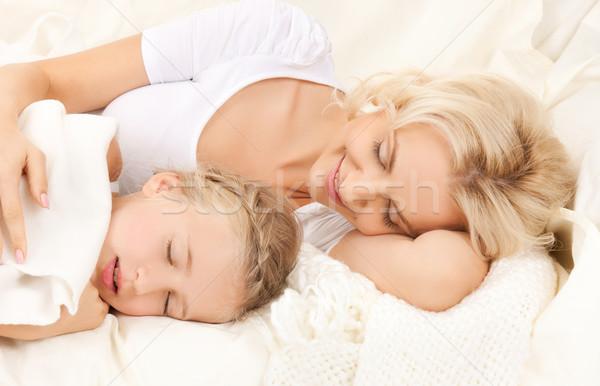Anya lánygyermek alszik kép boldog lány Stock fotó © dolgachov