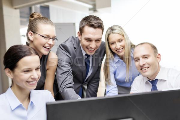 Stockfoto: Business · team · monitor · discussie · business · technologie · kantoor