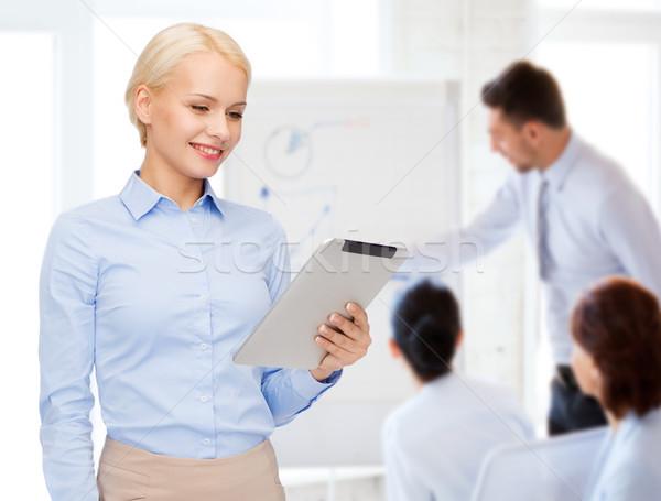 Stockfoto: Glimlachende · vrouw · naar · computer · business · internet
