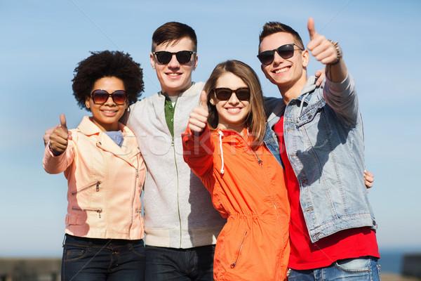 ストックフォト: 幸せ · 十代の · 友達 · 屋外 · 友情