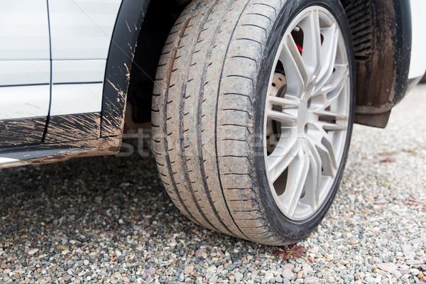 Zdjęcia stock: Brudne · samochodu · koła · ziemi · transportu