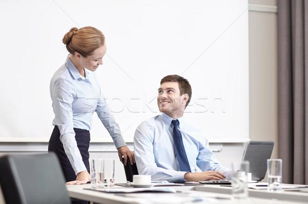 Imprenditore segretario laptop ufficio uomini d'affari lavoro Foto d'archivio © dolgachov