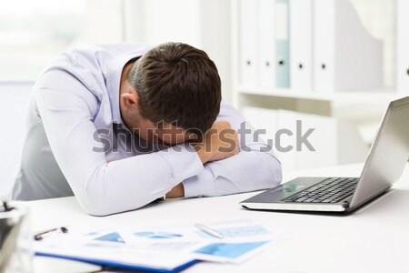 Empresário documentos trabalhar negócio escritório Foto stock © dolgachov