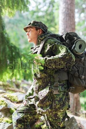 Soldato cacciatore tiro gun foresta caccia Foto d'archivio © dolgachov