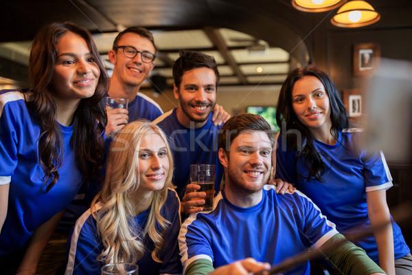 Voetbal fans bier pub mensen Stockfoto © dolgachov