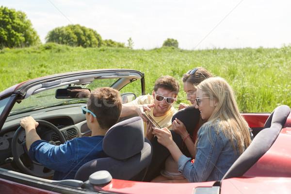 Arkadaşlar sürücü kabriyole araba boş Stok fotoğraf © dolgachov