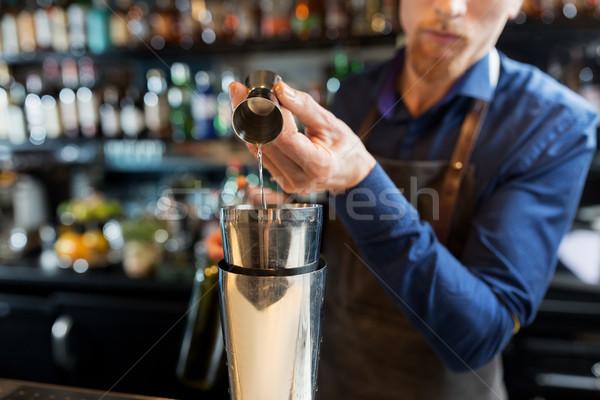 Csapos shaker koktél bár italok emberek Stock fotó © dolgachov
