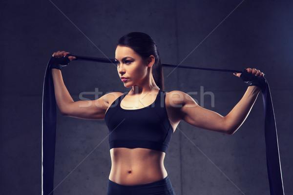 Vrouw gymnasium fitness sport opleiding Stockfoto © dolgachov