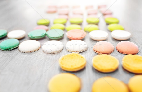 Macarons tabel banketbakkerij bakkerij koken Stockfoto © dolgachov