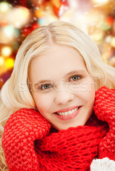 Sonriendo rojo mitones bufanda invierno Foto stock © dolgachov