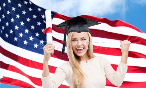 Foto stock: Feliz · estudante · menina · diploma · bandeira · americana · educação