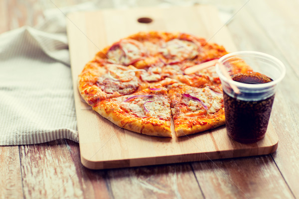 Pizza coca cola table restauration rapide italien Photo stock © dolgachov