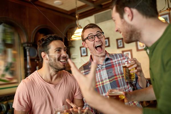 Photo stock: Football · fans · amis · bière · sport · bar