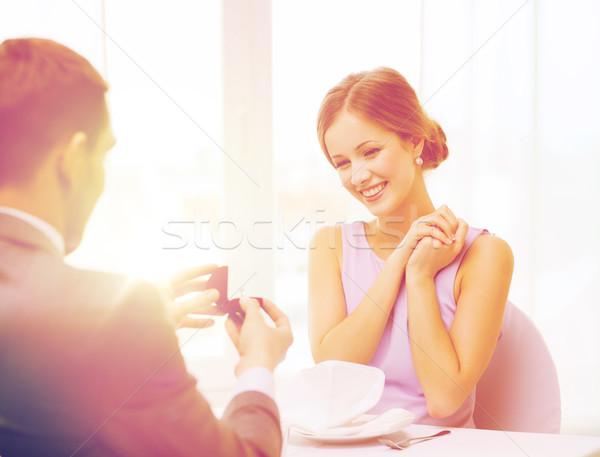 возбужденный глядя дружок кольца ресторан Сток-фото © dolgachov