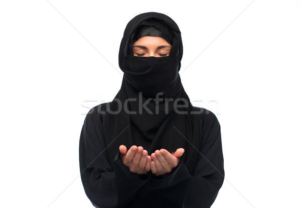 Dua eden Müslüman kadın başörtüsü beyaz din Stok fotoğraf © dolgachov
