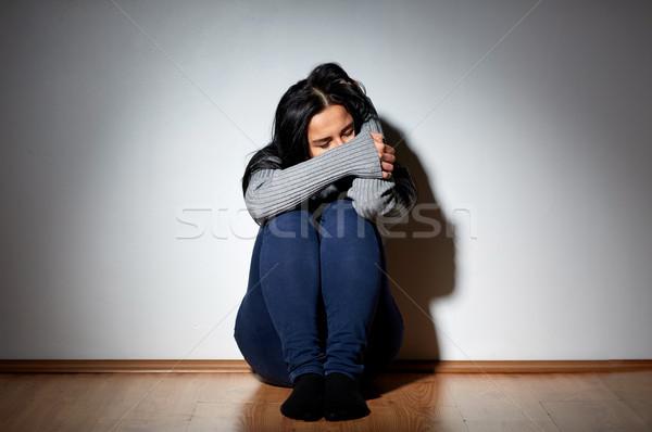 Infelice donna piangere piano home persone Foto d'archivio © dolgachov
