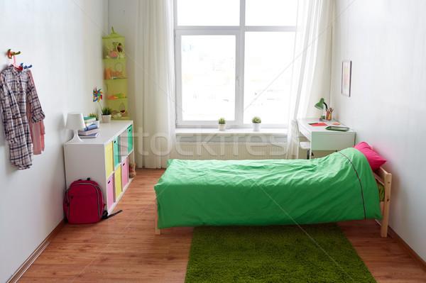 Crianças quarto interior cama tabela Foto stock © dolgachov