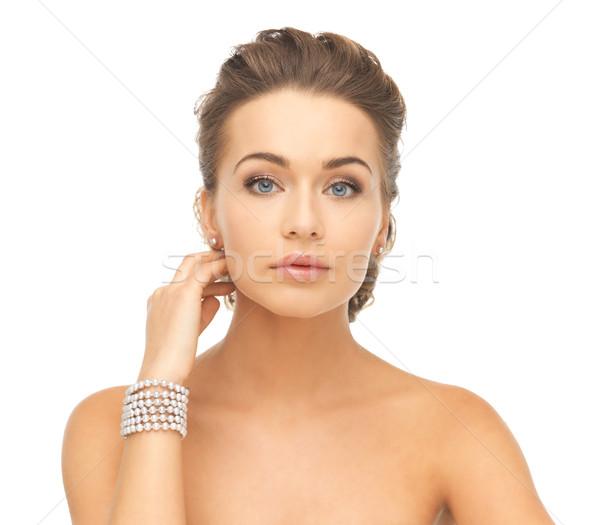 Stock fotó: Nő · gyöngy · fülbevalók · karkötő · gyönyörű · nő · visel