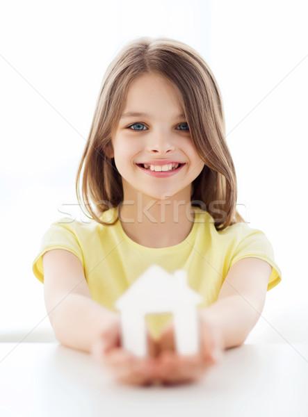 Nina blanco papel casa casa Foto stock © dolgachov