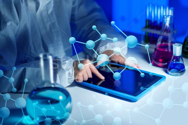 Wissenschaftler Labor Wissenschaft Chemie Stock foto © dolgachov