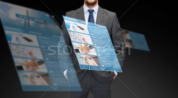 Biznesmen świat wiadomości projekcja działalności Zdjęcia stock © dolgachov