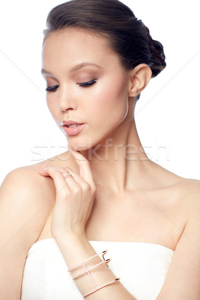 красивой азиатских женщину кольца браслет красоту Сток-фото © dolgachov