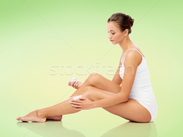 Foto stock: Mujer · crema · pierna · belleza