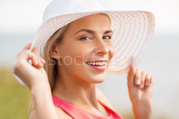 Ritratto bella donna sorridente estate moda Foto d'archivio © dolgachov