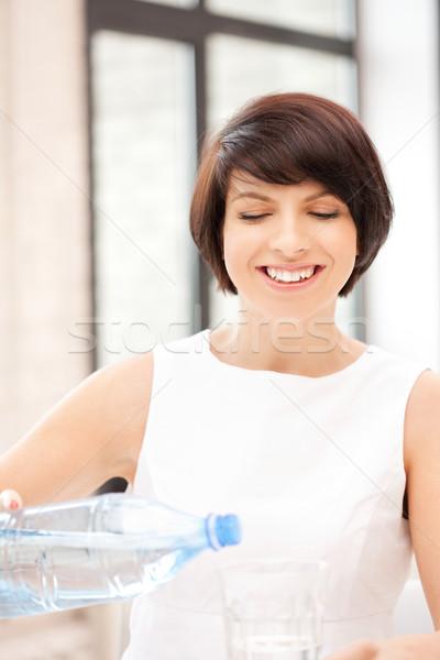 Stock fotó: Gyönyörű · nő · üveg · víz · kép · nő · ital